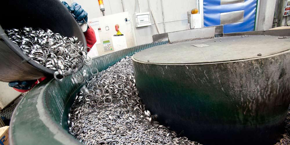 Vibrotec burattatura metalli a Brescia